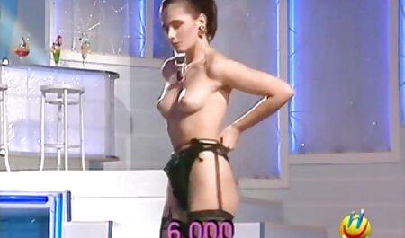 Rubia con su novio divertirse en porn casero latino anal