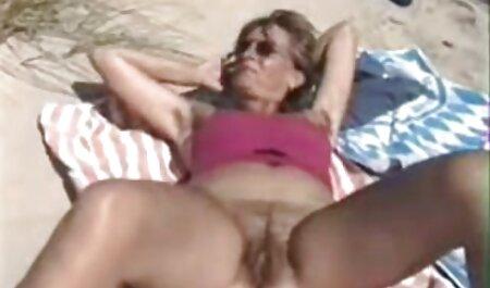 Chica videos porno latino casero de piel oscura en el balcón