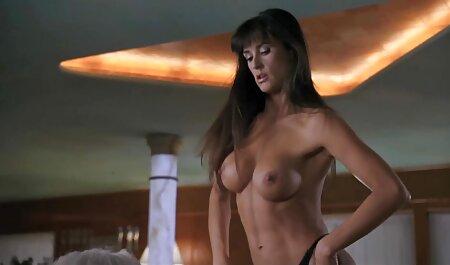 Rubia el mejor porno en español latino quiere jugar con un hombre