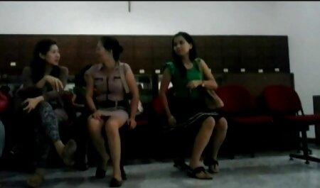 Asiático adolescente disfrutando su porn casero latino amistad