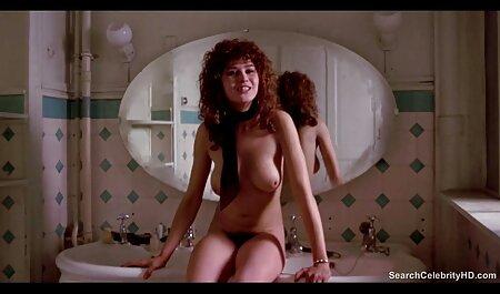 Grande buen porno latino culo golpeando en baño