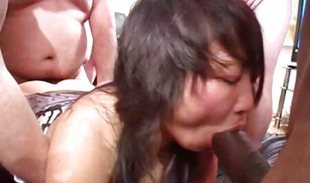 Pikaper chat en la calle es una porno casero latino en español chica teniendo sexo en su coche para ganar dinero
