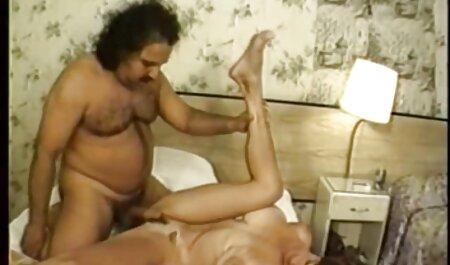 Las chicas hermosas aman la lluvia dorada el mejor porno latino