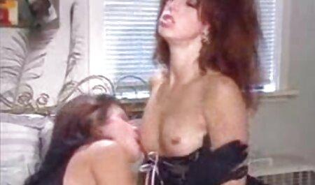 El hombre, un niño videos porno latinos caseros pequeño delante de la cámara