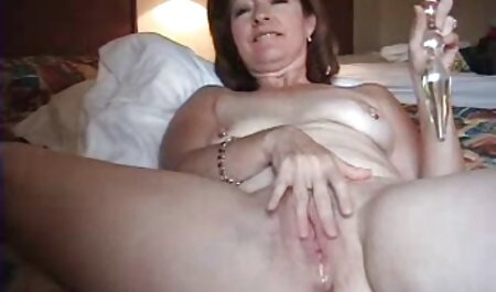 Pelirroja puta masturbación en la videos porno caseros latinos cama