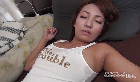 Chica lamiendo videos caseros pornos latinos culo