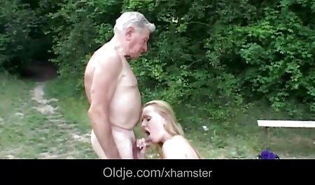 Dar a la chica un los mejores videos de porno latino placer a su pareja