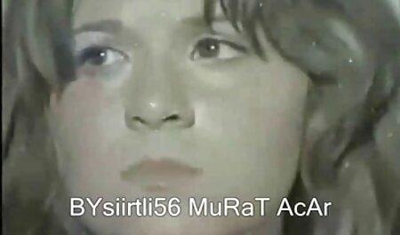 Chicas cayendo videos caseros latinos Lesbianas