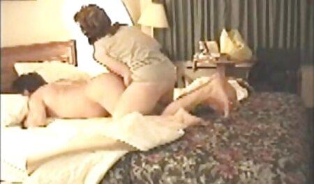 Un hombre que ama el videos porno caseros latinos helado y hace que su pelo bonito marrón